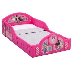 Disney Minnie Mouse Plastic Sleep and Play